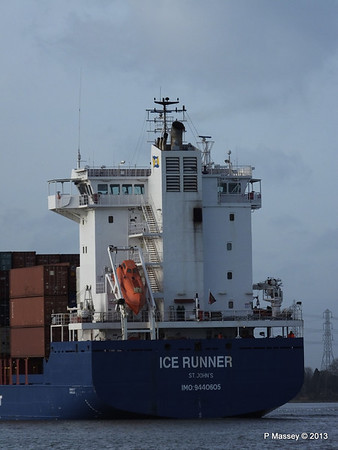 ICE RUNNER Arriving Southampton PDM 20-12-2013 12-15-16