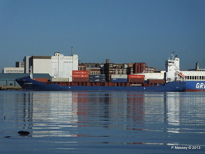 ICE RUNNER Arriving Southampton PDM 29-12-2013 12-16-43