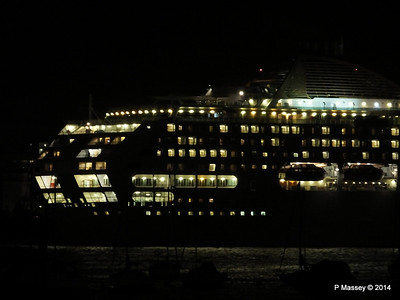 OCEANA Departing Southampton for World Cruise PDM 02-01-2014 17-40-20