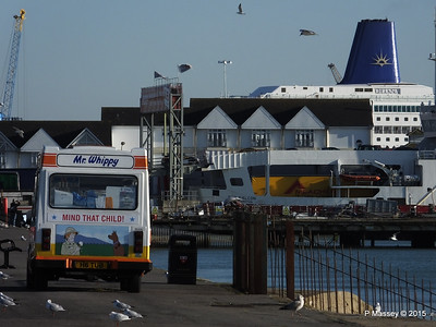 Mr Whippy ORIANA Blue Funnel RED FALCON Southampton PDM 06-02-2015 14-53-036