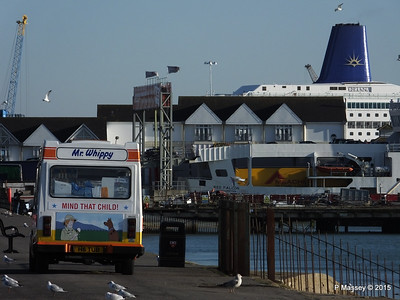 Mr Whippy ORIANA Blue Funnel RED FALCON Southampton PDM 06-02-2015 14-53-035