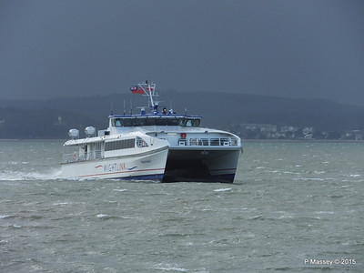 WIGHT RYDER I Approaching Portsmouth PDM 15-01-2015 13-04-30