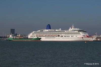 ARKLOW FIELD Passes AURORA Southampton PDM 23-04-2015 16-28-19