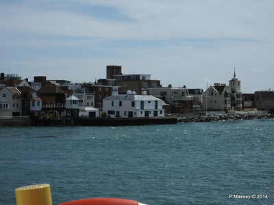 Old Portsmouth from SOLENT CAT PDM 30-06-2014 12-40-50