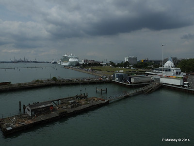 Derelict Royal Pier with INDEPENDENCE OF THE SEAS Southampton PDM 12-07-2014 14-02-21