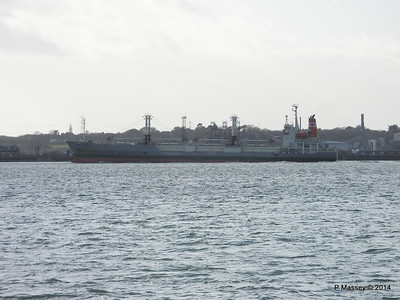 NAGATO REEFER Outbound Southampton at Fawley PDM 10-12-2014 12-50-29