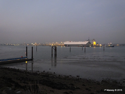 HOEGH OSAKA tow to Berth 101 passing Hythe PDM 22-01-2015 17-12-53