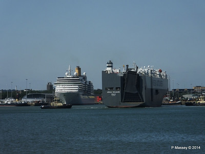ARCADIA HOEGH TREASURE Southampton PDM 22-07-2014 16-19-54