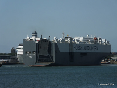 HOEGH TREASURE Departing Southampton PDM 22-07-2014 16-20-20