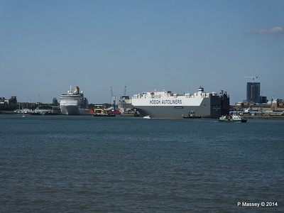 ARCADIA HOEGH TREASURE Southampton PDM 22-07-2014 16-16-22