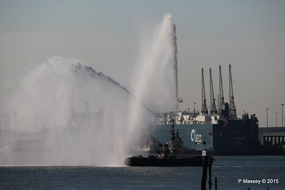 AUTOSTAR ASIAN BREEZE Water Cannons Svitzer ALMA Southampton PDM 18-04-2015 17-32-58