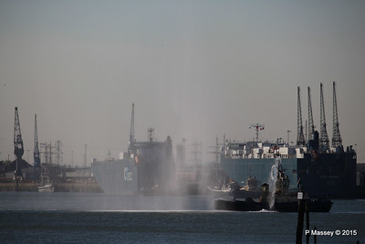 AUTOSTAR ASIAN BREEZE Water Cannons Svitzer ALMA Southampton PDM 18-04-2015 17-34-27