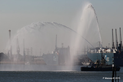 AUTOSTAR ASIAN BREEZE Water Cannons Svitzer ALMA Southampton PDM 18-04-2015 17-34-12