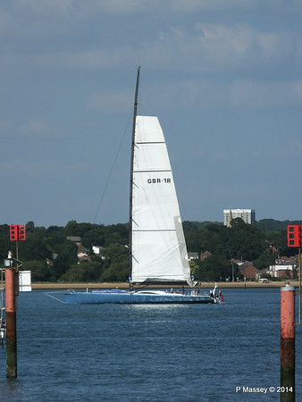LEOPARD GBR-1R taking down sails Southampton Water PDM 22-07-2014 17-22-56
