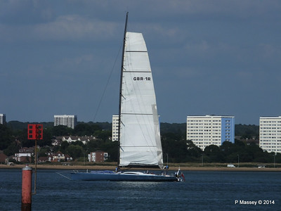 LEOPARD GBR-1R taking down sails Southampton Water PDM 22-07-2014 17-22-41