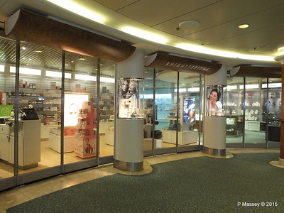 Knightsbridge Boutique Royal Court Atrium ORIANA PDM 03-04-2015 11-00-50