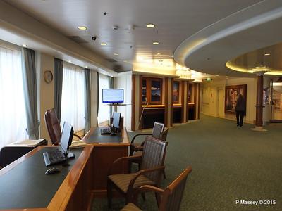 Explorers Tour Office Royal Court Atrium ORIANA PDM 03-04-2015 11-00-27