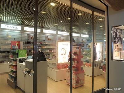 Knightsbridge Boutique Royal Court Atrium ORIANA PDM 03-04-2015 11-00-59