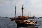 SANTA IRINI Arriving AGIA SOPHIA Skala Thira Santorini PDM 18-06-2017 16-07-03