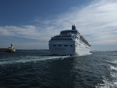 THOMSON MAJESTY Departing Piraeus PDM 02-06-2015 14-42-08