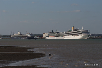 ARCADIA Passing CELEBRITY ECLIPSE MEIN SCHIFF 1 Southampton PDM 16-05-2015 16-59-54