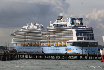 OVATION OF THE SEAS over Royal Pier Southampton PDM 14-04-2016 16-06-41