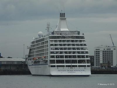 SEVEN SEAS VOYAGER Departing Southampton PDM 29-08-2015 16-33-08