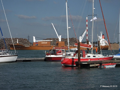 SUOMIGRACHT Loading Yachts through Sailing Yachts Southampton PDM 01-10-2015 13-38-18