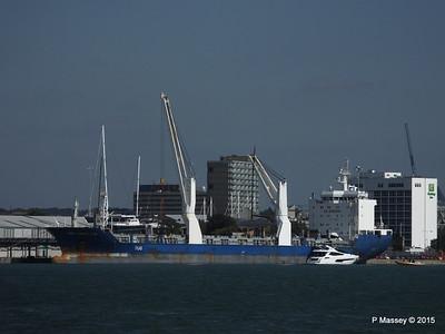 BBC MAPLE LEA Loading Yachts Southampton PDM 01-10-2015 13-49-14