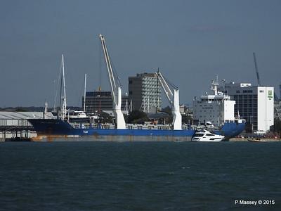 BBC MAPLE LEA Loading Yachts Southampton PDM 01-10-2015 13-49-12