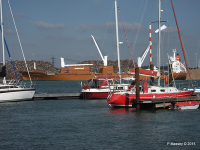 SUOMIGRACHT Loading Yachts through Sailing Yachts Southampton PDM 01-10-2015 13-38-20