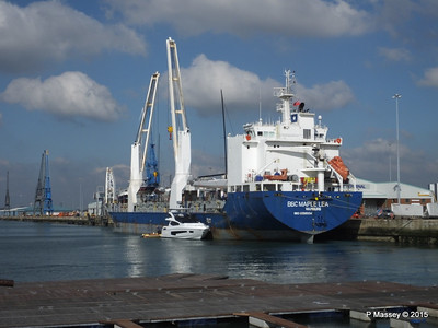 BBC MAPLE LEA Loading Yachts Southampton PDM 01-10-2015 11-17-012