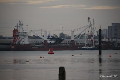 FLORIJNGRACHT Loading Yachts Southampton PDM 04-11-2015 16-30-07